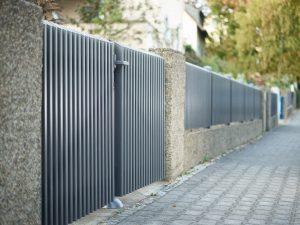 Türen aus rostfreiem Aluminium