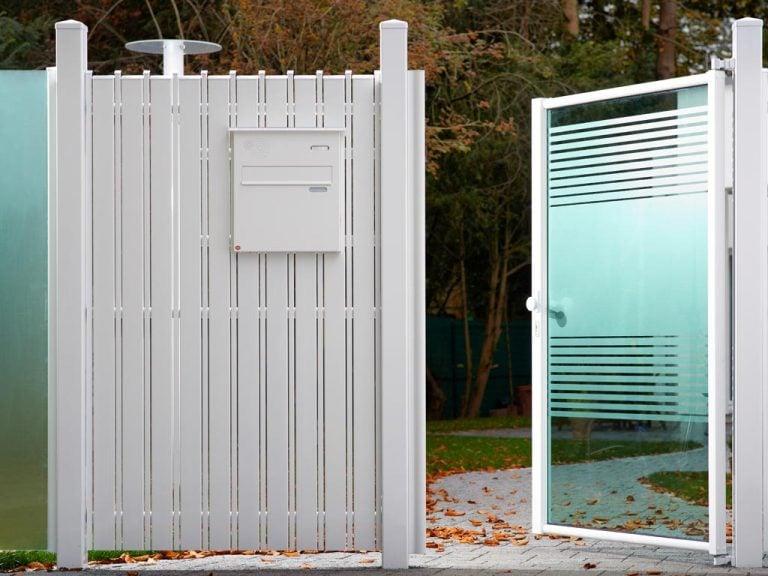 Moderne Glastüre mit ESG-Sicherheitsglas