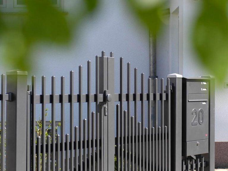 Beständige Gartentüre aus Aluminium